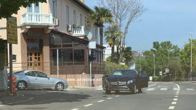 U OKU KAMERE Sudar na raskšću kraj bivše Kanete privremeno otežao odvijanje prometa