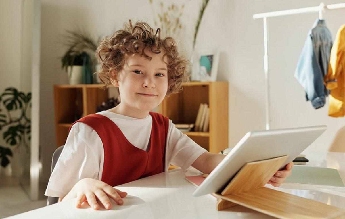 Svako deseto dijete spremno je naći se s neznancem s Interneta