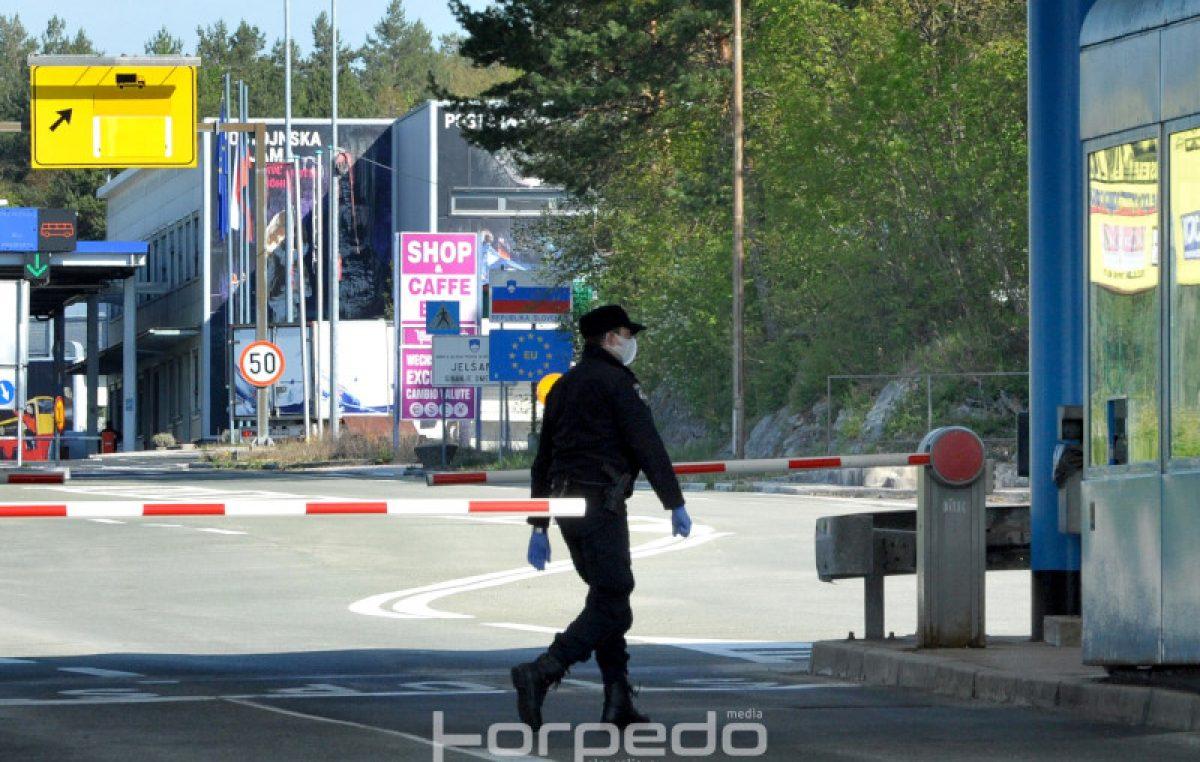 Korona i rampe na granici uzrokuju probleme mještanima Krasa: Ne mogu posjetiti grobove svojih najbližih