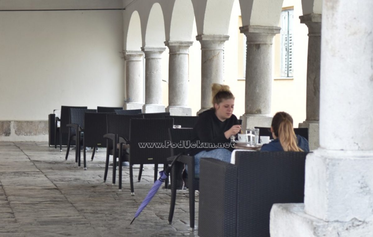 Gotovo svi gradovi i općine na Liburniji izašli u susret ugostiteljima: Samo Opatija ne dopušta širenje terasa na javne prostore