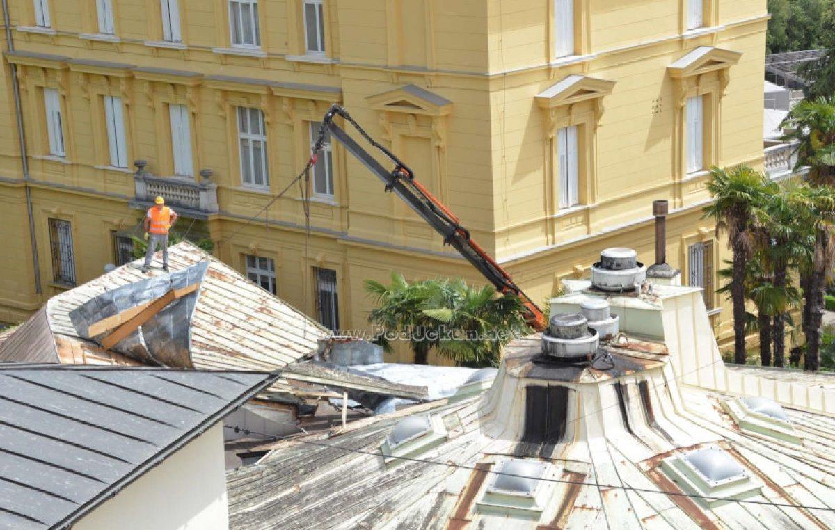 U OKU KAMERE Rušenjem restorana Zelengaj do većeg broja parkirnih mjesta i novog ulaza u hotel Kvarner