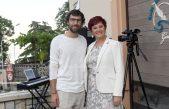 VIDEO Vesna Nežić-Ružić i David Danijel održali intimni akustični koncert u centru Lovrana