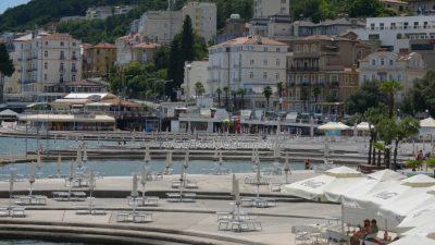 FOTO Cappelli poručio da se ostvaruje rast od 30 tisuća turista dnevno, dok Đikić upozorava da su granice prerano otvorene