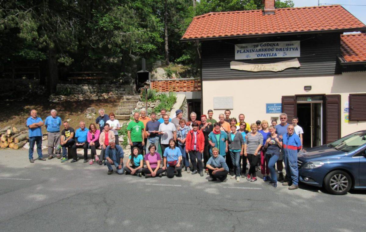 FOTO Održana velika proljetna radna akcija opatijskih planinara na Učki