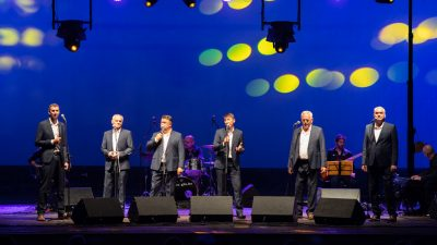 FOTO/VIDEO Na velikoj Ljetnoj pozornici održan slavljenički koncert Tomislava Bralića i klape Intrade @ Opatija