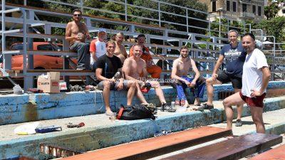 U OKU KAMERE Vrijedni volonteri u vlastitom aranžmanu obnovili tribine na plivalištu u Voloskom