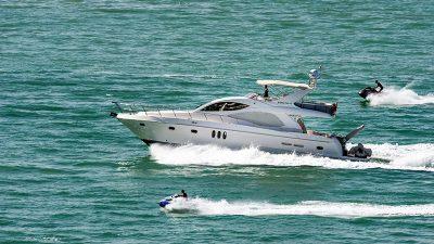 Pomorska policija pojačano nadzire promet na moru, posebice nedozvoljeno glisiranje