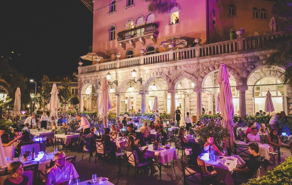 Summer gala concert: Jure Brkljača na terasi Milenija