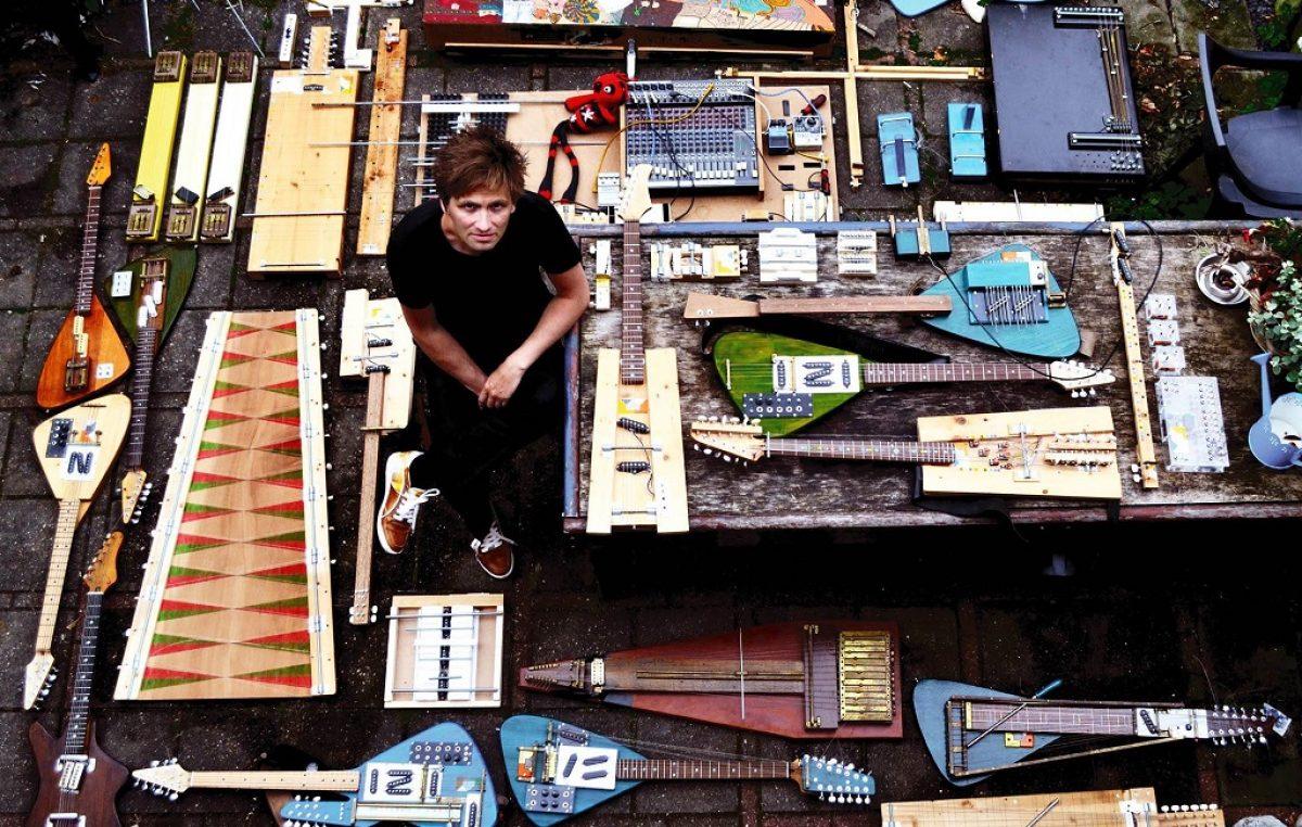 VIDEO Izumitelj glazbenih instrumenata i glazbenik Yuri Landman ovog petka u beach baru Prasowski @ Rijeka