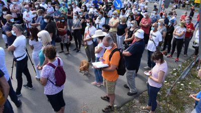 VIDEO/FOTO Veliki prosvjedni skup ispred ŽCGO Marišćina, građani traže da politika riješi problem deponija