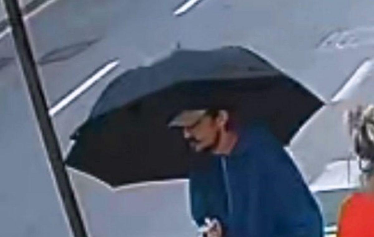 Traže se informacije o nepoznatom muškarcu koji je djelatnici novčarske tvrtke zaprijetio eksplozivnim sredstvom  @ Opatija