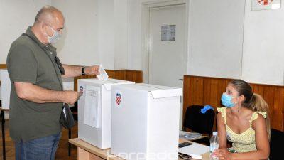 Rezultati izlaznih anketa: Restart devet mandata, HDZ tri, Možemo! jedan i Most jedan u osmoj jedinici