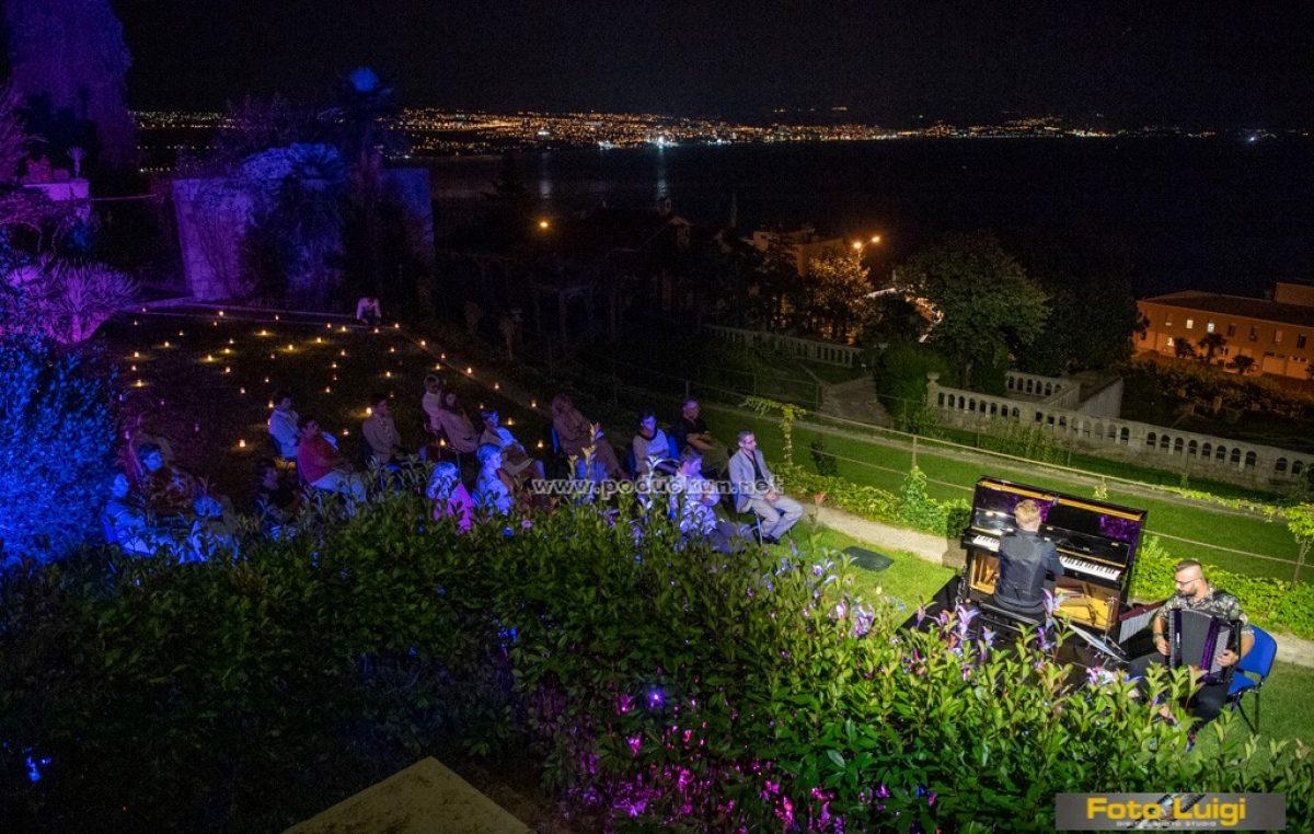 FOTO/VIDEO Festival Kvarner nastavljen koncertom za pamćenje – Ludwik Sarski Orchestra u Amerikanskim vrtovima oduševio publiku