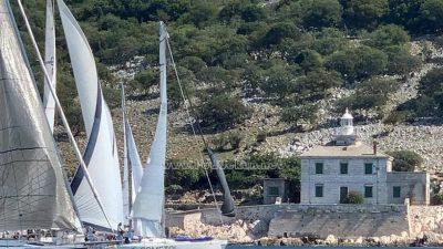 VIDEO/FOTO Ivica Šćurić i posada broda Follow us pobjednici 'prve etape' Liburnijske regate Vela vrata 2020.