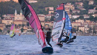 FOTO/VIDEO Započelo Prvenstvo Hrvatske u jedrenju na dasci – Volosko Open 2020. u disciplini slalom