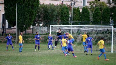 FOTO/VIDEO U utakmici preokreta i prekida nogometaši Matulji bolji od Lovrana