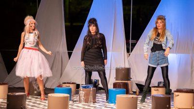 FOTO Predstava Gola u kavezu oduševila publiku u punom Amfiteatru @ Matulji