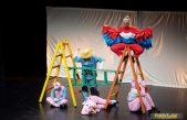 Mališani upoznali 'Tri praščića' u novom izdanju zahvaljujući predstavi Teatra Naranča