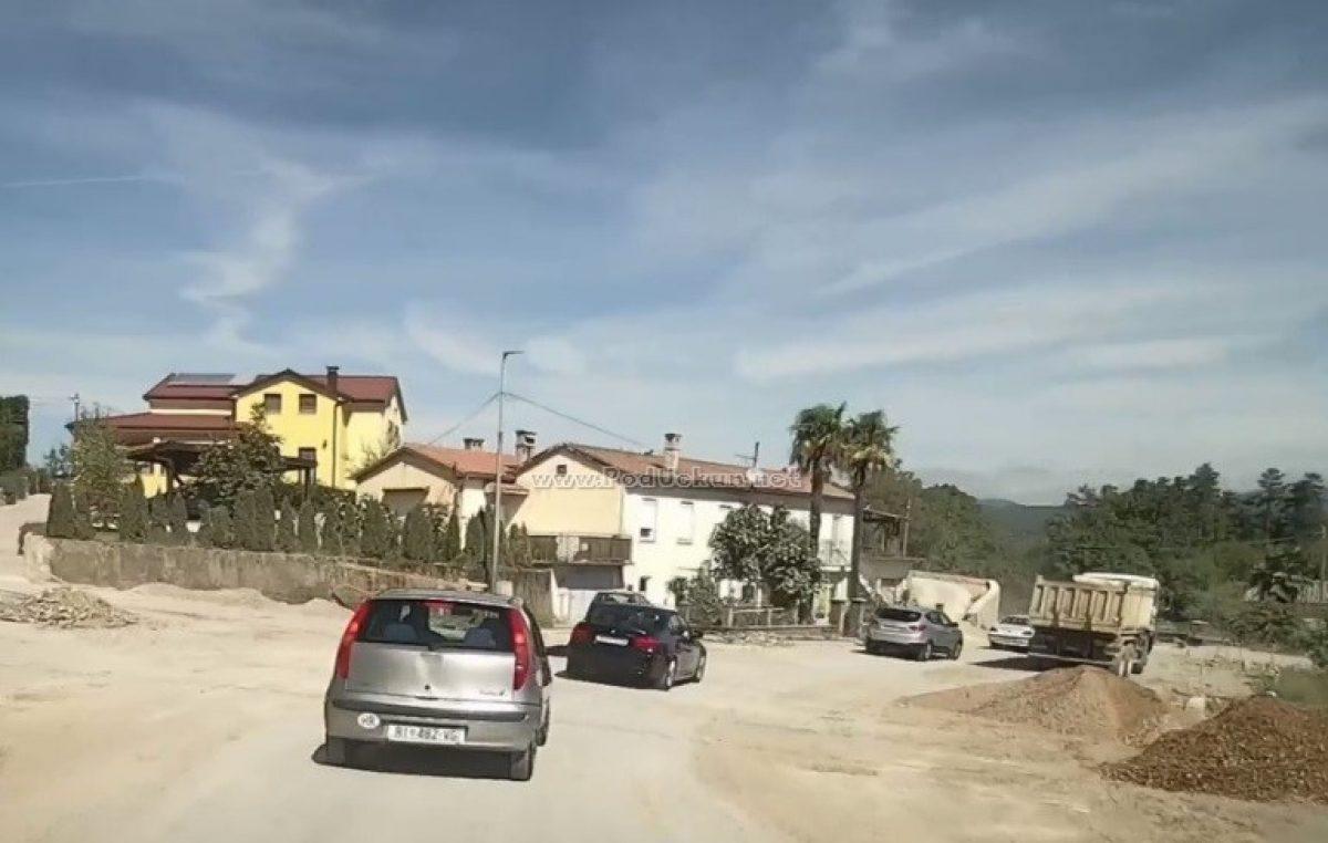 VIDEO 'Žegoti offroad' – Radovi na cesti od Kastva do Viškova primiču se kraju, evo kako izgleda prometnica