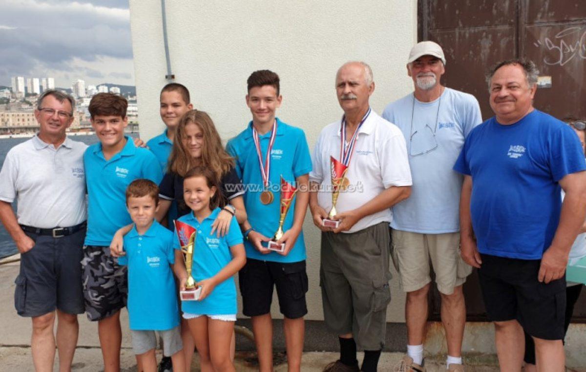 FOTO Održano prvenstvo Primorsko-goranske županije u sportskom ribolovu u kategoriji štapom s obale