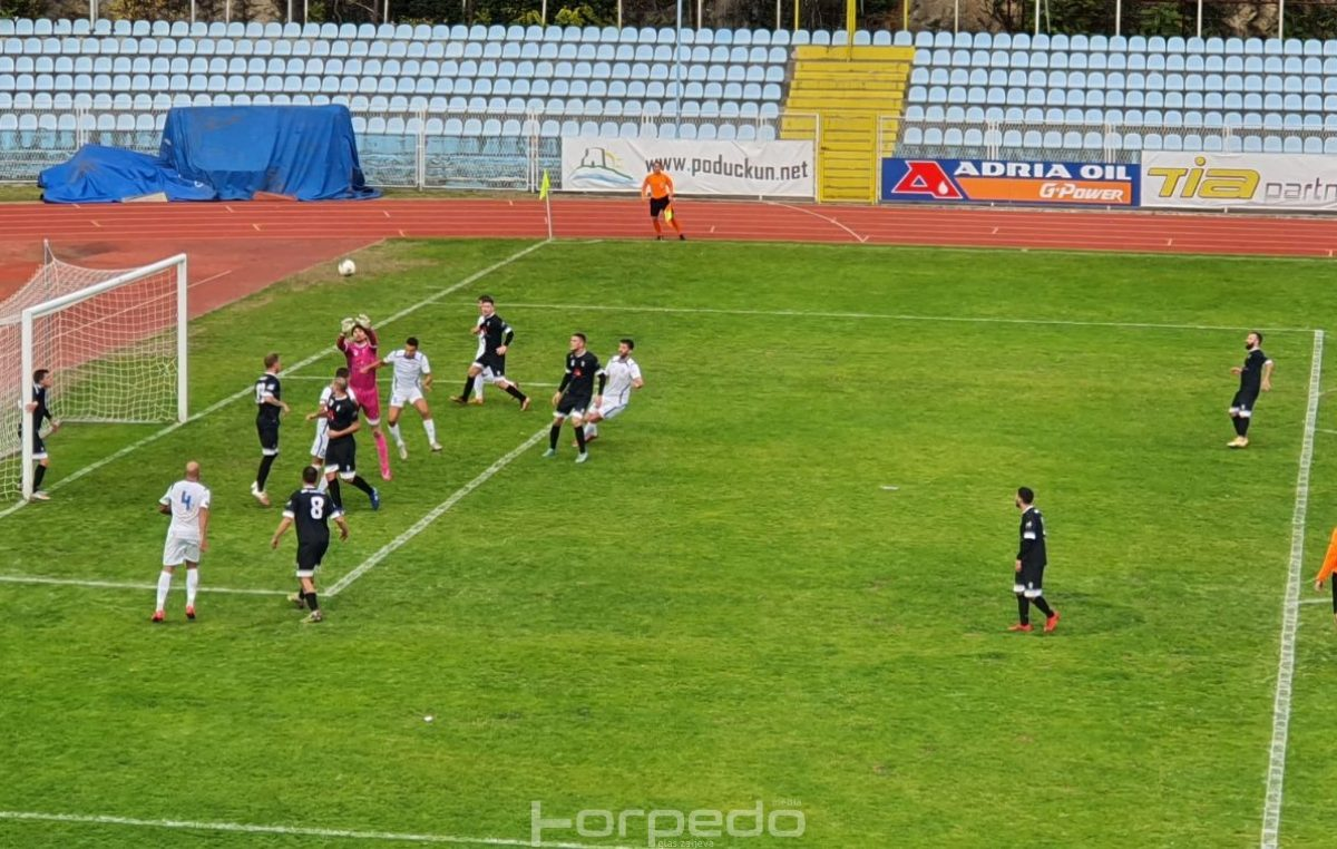 FOTO Opatija slavila protiv Dugopolja s igračem manje, Orijent prepustio tri boda gostima iz Solina