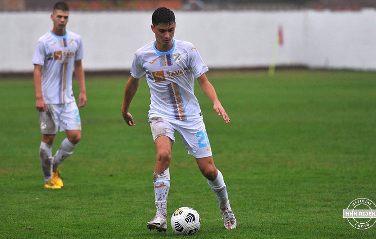 Veldin Hodža potpisao prvi profesionalni ugovor: 'Drago mi je da mi je Rijeka ukazala povjerenje'