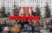 [VIDEO] Kazališna predstava 'Otmica Djeda Mraza' ispunila Ljetnu pozornicu smijehom i veseljem