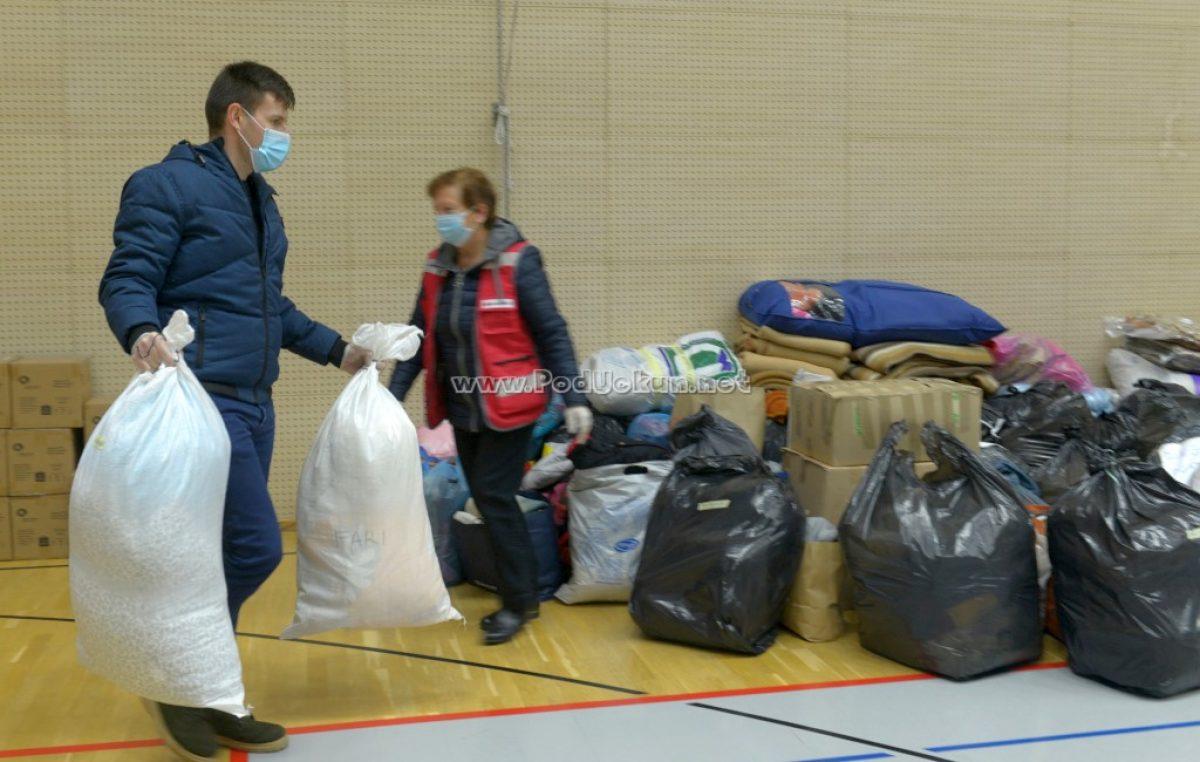 [FOTO/VIDEO] Mještani Matulja u velikom broju podržali sabirnu akciju Crvenog križa za pomoć stradalima u potresu