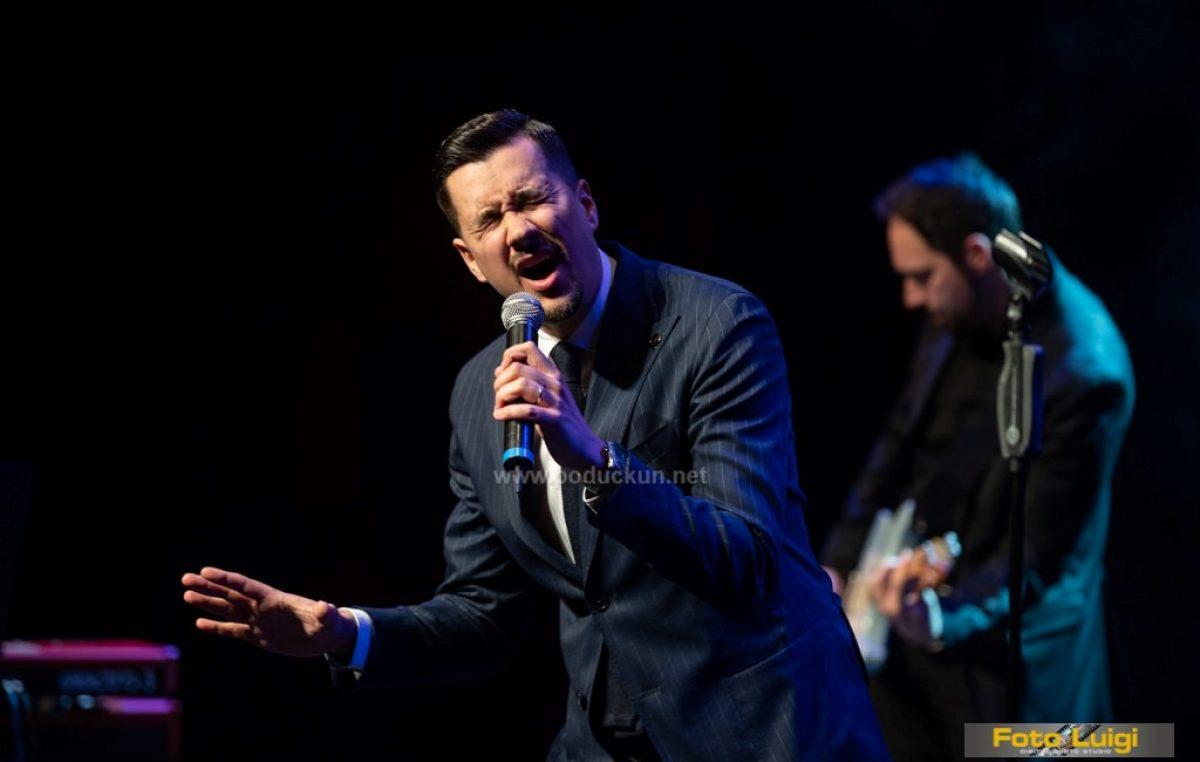 [FOTO] All You Need is Love i Marko Tolja ispunili Gervais ljubavlju
