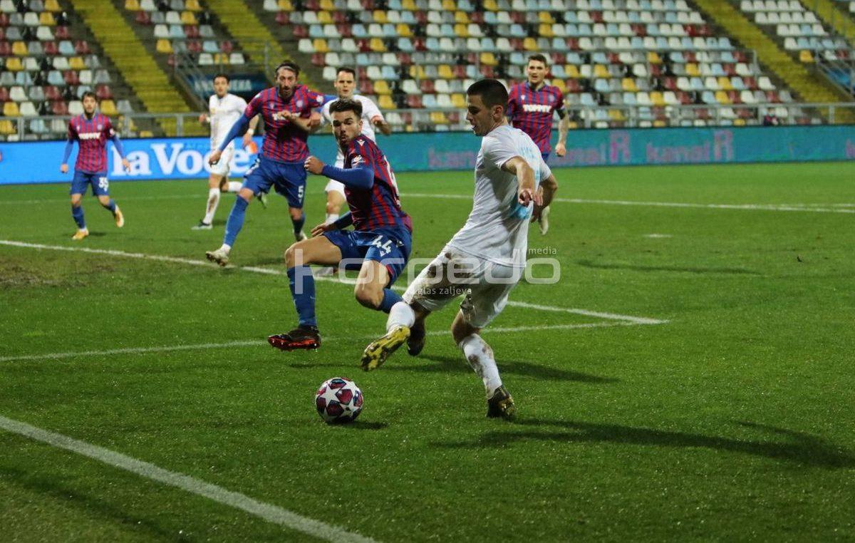 [FOTO] Jadranski derbi završio pobjedom Hajduka pogotkom u posljednjoj minuti