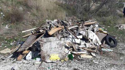 [FOTO] Saniraju se divlji deponiji u Mošćeničkoj Dragi, uskoro slijedi postavljanje kamera i kažnjavanje počinitelja