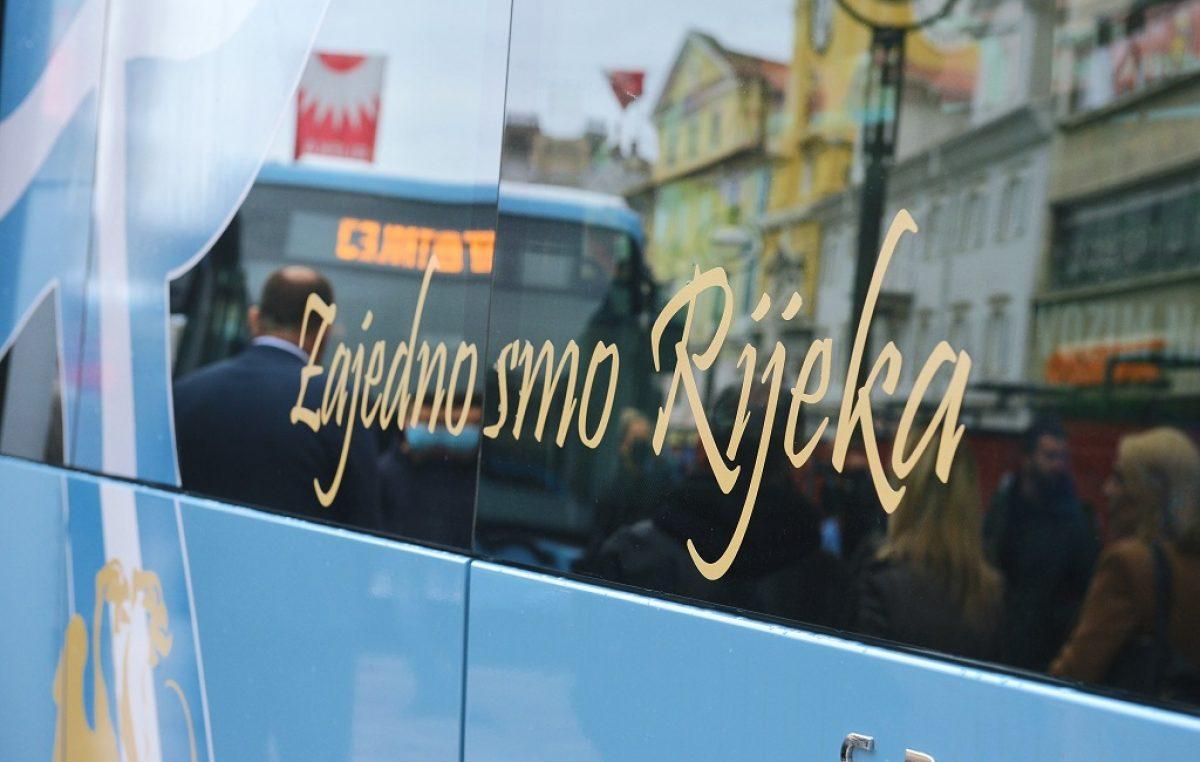 Predstavljeni autobusi Autotroleja oslikani simbolima HNK Rijeka