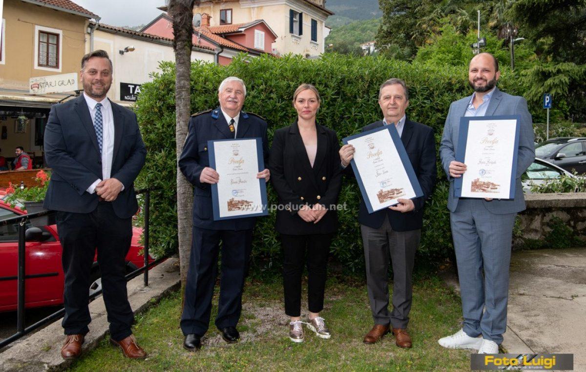 [FOTO] Edvardu Primožiću uručena nagrada za životno djelo @ Lovran