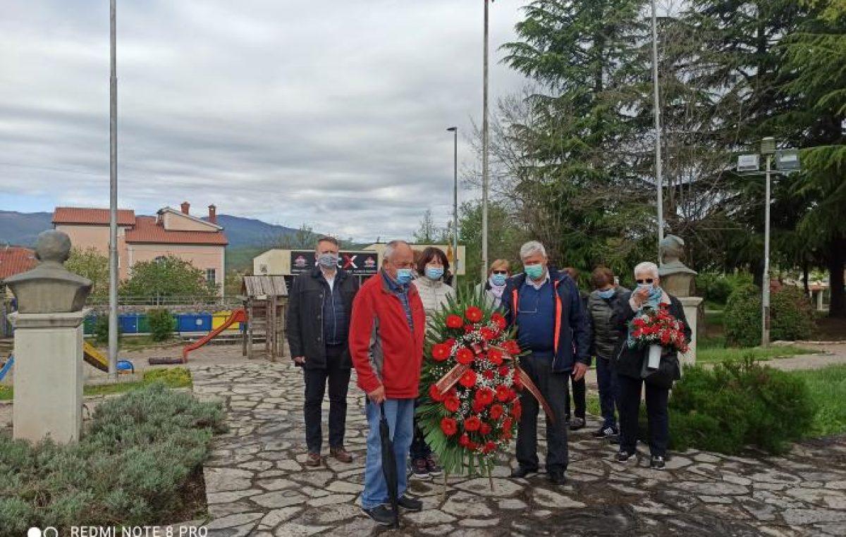 Dan oslobođenja Viškova: Položeni vijenci i zapaljene svijeće
