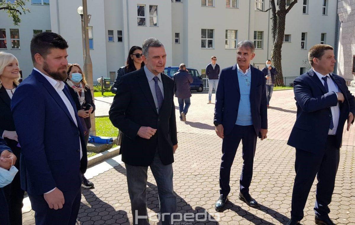 [VIDEO/FOTO] Projekt vrijedan 40 milijuna kuna: Potpisan ugovor za izgradnju čvora Trinajstići
