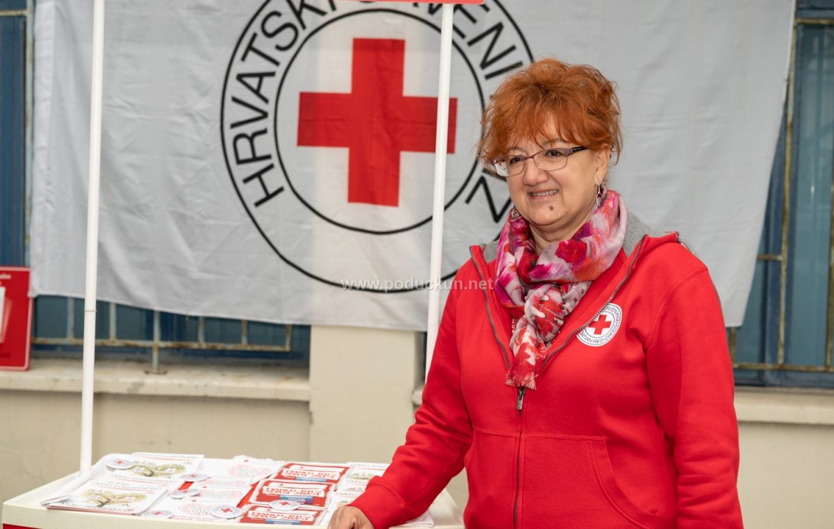 Crveni križ poziva građane da doniraju namirnice i higijenske potrepštine