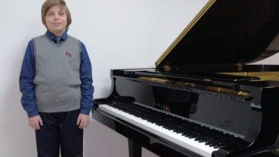 Talentirani matuljski glazbenik Petar Andrijanić osvojio nagradu na renomiranom natjecanju u Trstu