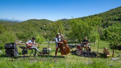 Jazz na njivah uz Vedrana i Zvjezdana Ružića