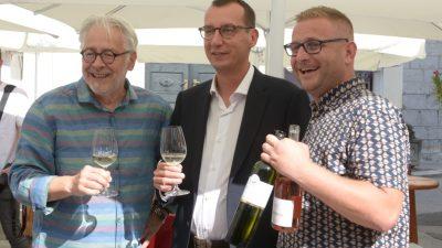 [FOTO/VIDEO] Festival kvarnerskih vina WineRi 2021. – Vrhunska vina i autohtoni proizvodi ispunili trg Riječke rezolucije
