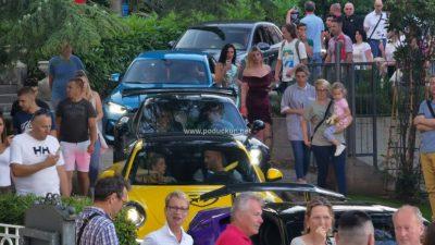 [FOTO/VIDEO] Pink Wing karavana skupocjenih automobila oduševila publiku u Opatiji
