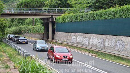 """[U OKU KAMERE] Prometni """"čep"""" na tunelskoj cesti prema Matuljima"""