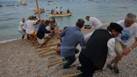 [FOTO/VIDEO] Zanimljivim programom i atraktivnim prikazom 'tira barki na plaže' okončano ovogodišnje izdanje Marinine