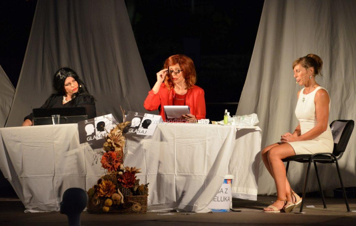 Predstava '3, 2, 1 glasaj' nasmijala publiku do suza @ Matulji