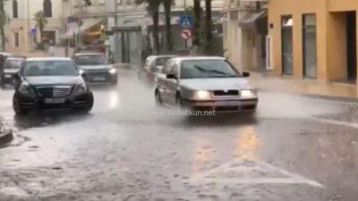[VIDEO] Jesen na pragu: Obilna kiša 'oprala' Opatiju, prognostičari za sutra najavljuju pretežno sunčano vrijeme