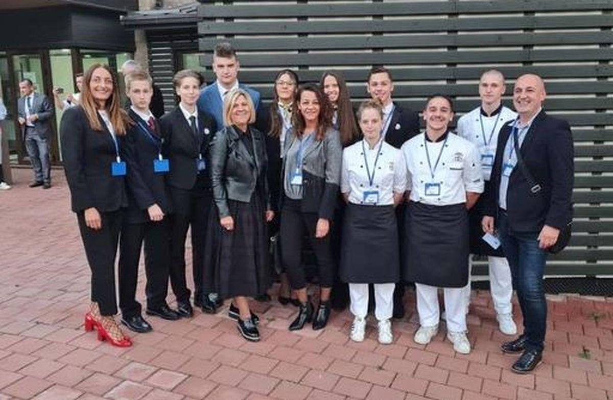 odlican uspjeh opatijskih ucenika na medunarodnom gastronomsko turistickom natjecanju gatus 2021
