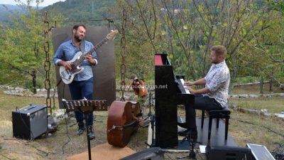 [VIDEO/FOTO] Jazz na njivah braće Ružić oduševio publiku @ Zvoneća