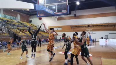 [VIDEO/FOTO] Talijanska ekipa Carpegna Prosciutto slavila u prvom susretu košarkaškog turnira Liburnija kup