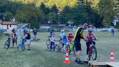 [FOTO/VIDEO] Outdoor vikend u Dragi otvoren 'Mala škola brdskog biciklizma', današnji dan donosi start utrke Učka trail