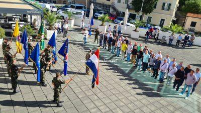 """[FOTO/VIDEO] Postrojavanjem ispred dvorane """"Marino Cvetković"""" obilježena 30. obljetnica opatijske satnije 111. brigade"""