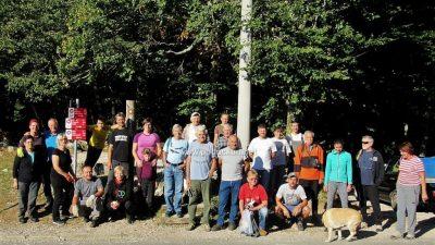 [FOTO] Vrijedni članovi Planinarskog društva 'Opatija' prošle subote održali radnu akciju 'na četiri fronta'